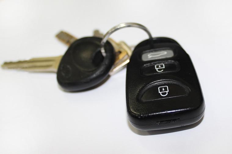 car-key-842106_1280.jpg